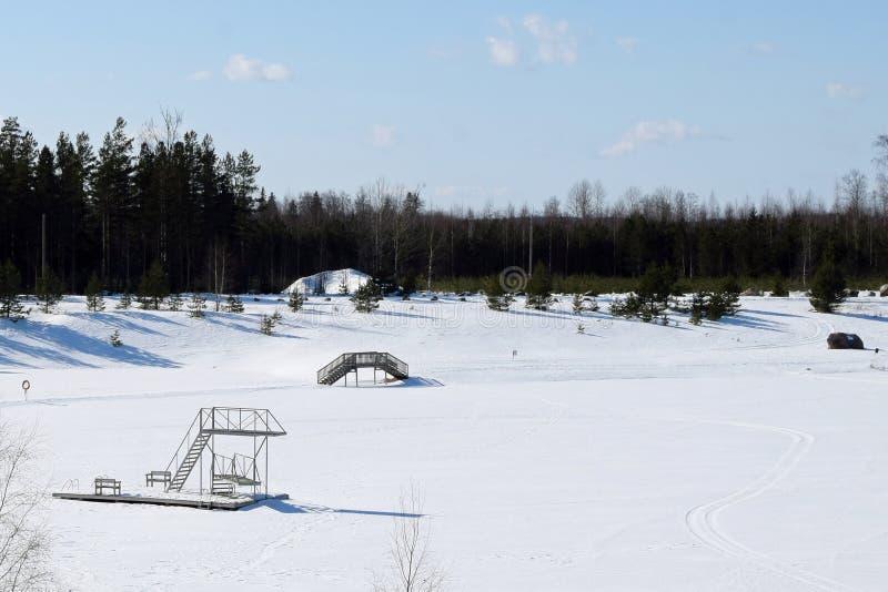 Torre del salto el invierno fotografía de archivo