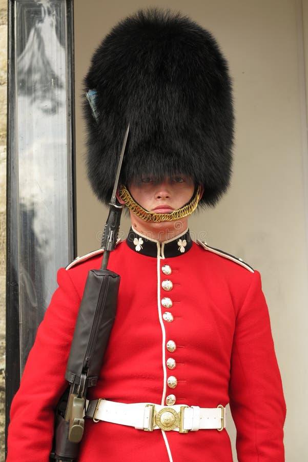 Torre del soldado joven de Londres que guarda las joyas de la corona imagen de archivo
