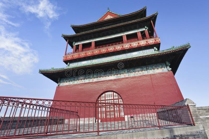 Torre del tambor en la ciudad vieja de Pekín foto de archivo