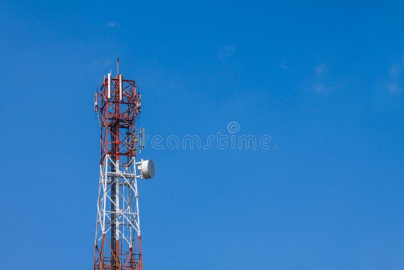 Download Torre Del Telefono Cellulare Immagine Stock - Immagine di collegamento, telecomunicazione: 55362373
