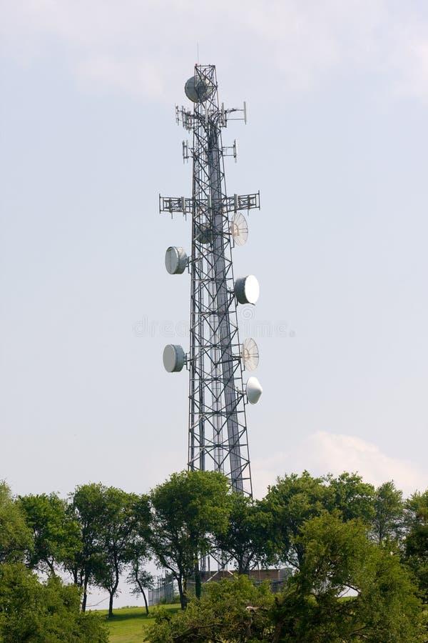 Torre del utilitario de las comunicaciones foto de archivo libre de regalías