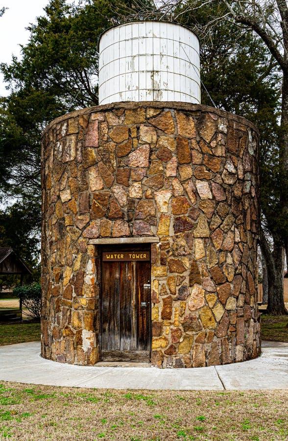 Torre dell'acqua nella capanna di Sequoyah immagini stock libere da diritti