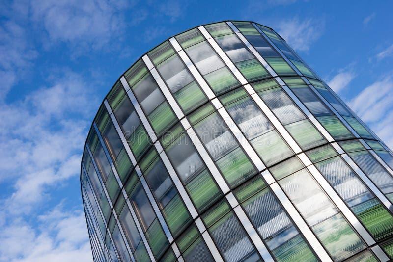 Torre dell'edificio per uffici fotografia stock