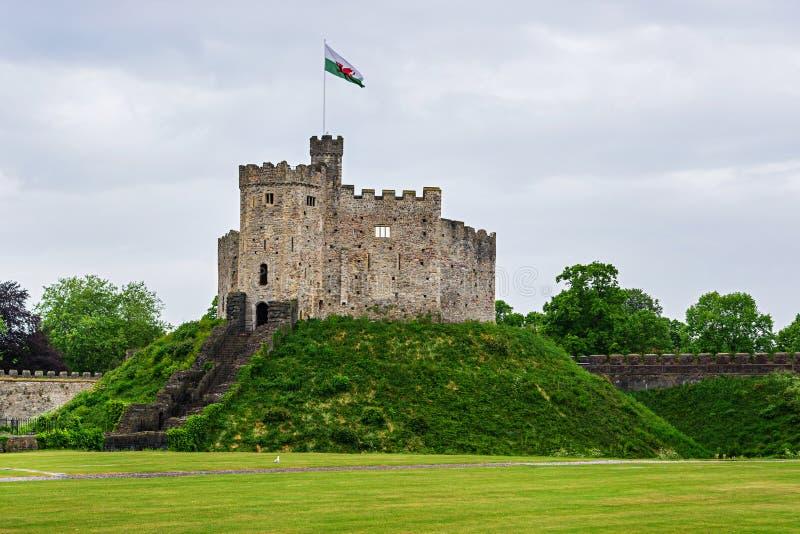 Torre dell'orologio del castello di Cardiff a Cardiff in Galles fotografia stock libera da diritti