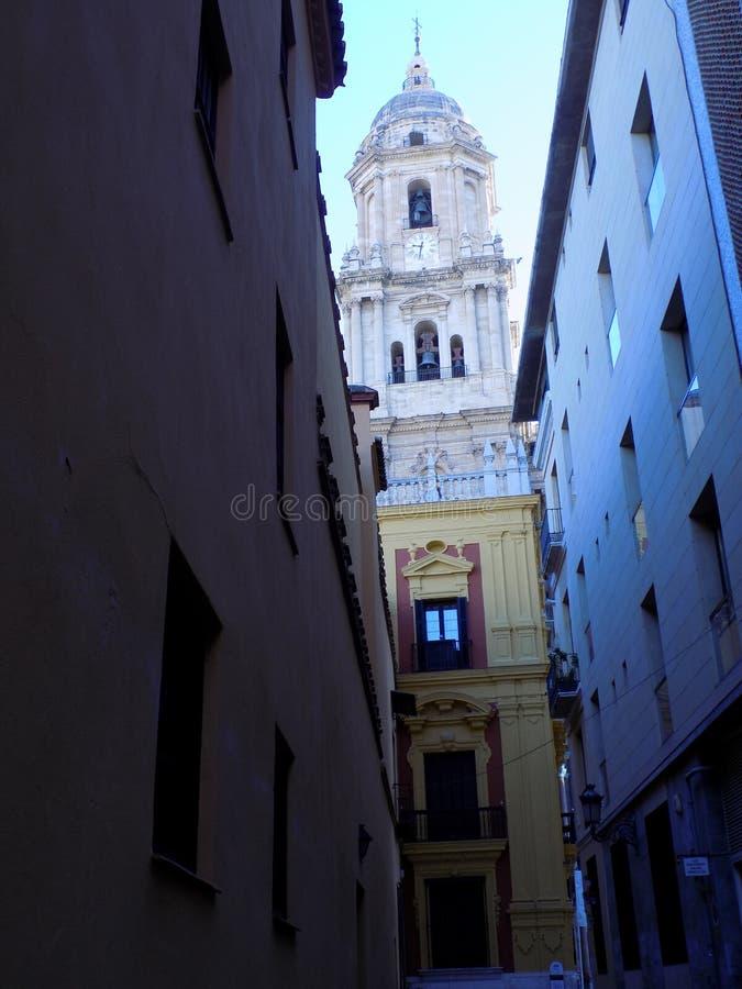 Torre della cattedrale dalle saline via-Malaga fotografia stock libera da diritti