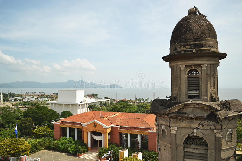 Torre della cattedrale a Managua immagini stock
