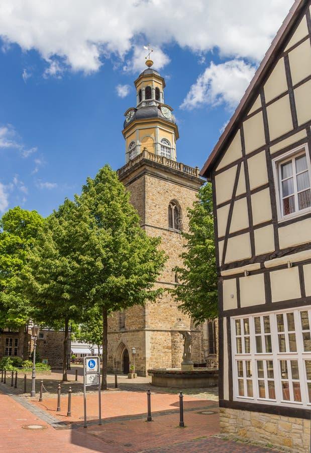 Torre della chiesa della st Nicolai in Rinteln immagini stock libere da diritti