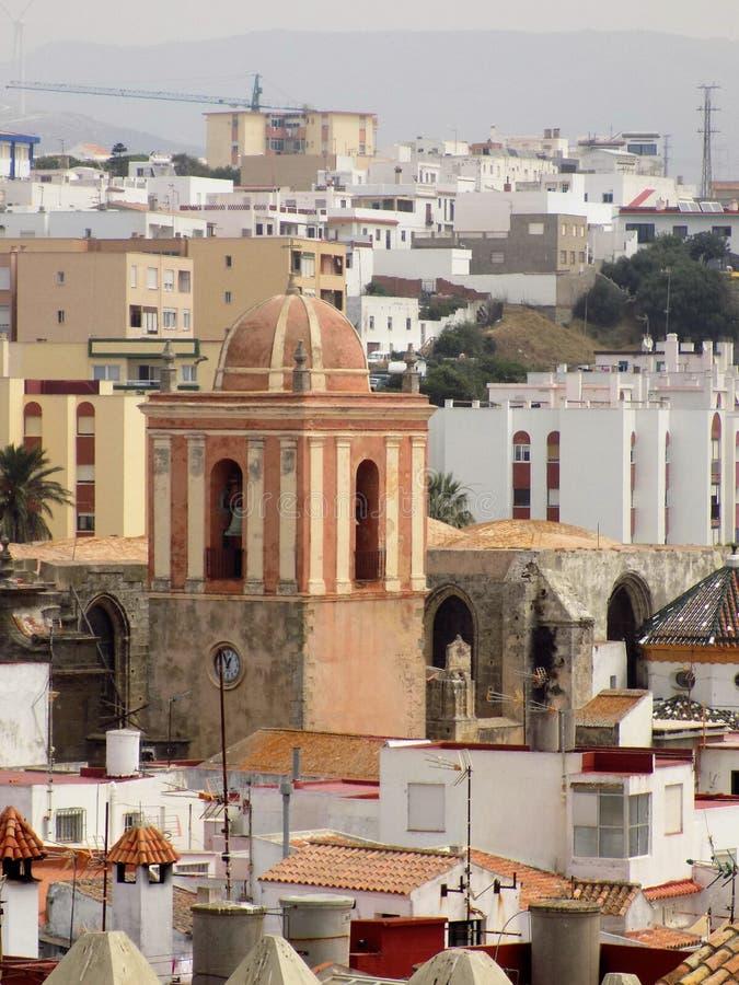 Torre della chiesa di San Mateo-Tarifa La Cadice-Andalusia-Spagna fotografie stock