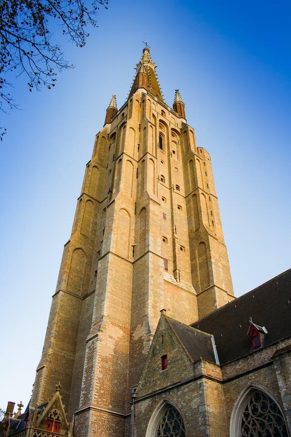 Torre della chiesa della nostra signora, Bruges fotografie stock libere da diritti