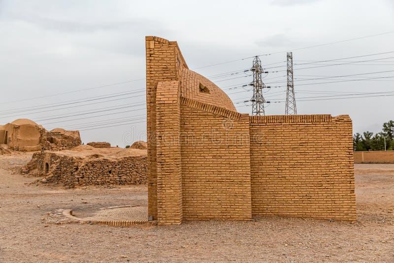 Torre della costruzione di raffreddamento di silenzio immagine stock libera da diritti