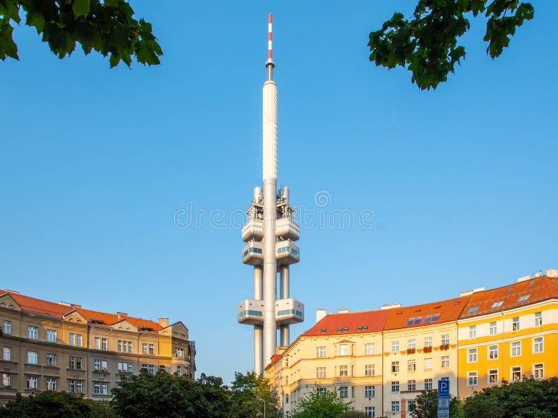 Torre della televisione di Zizkov a Praga, repubblica Ceca fotografia stock libera da diritti