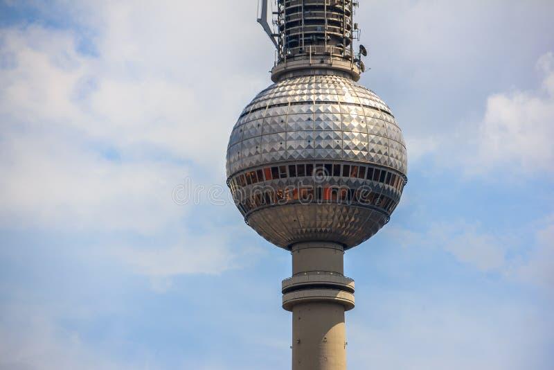 Torre della TV (Fernsehturm) Berlino, Germania fotografia stock