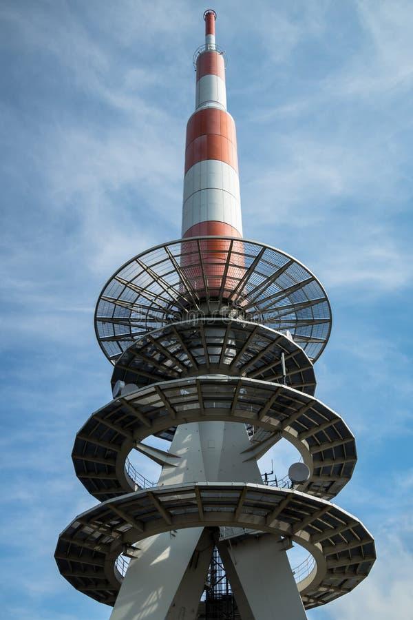 Torre delle comunicazioni radio fotografia stock