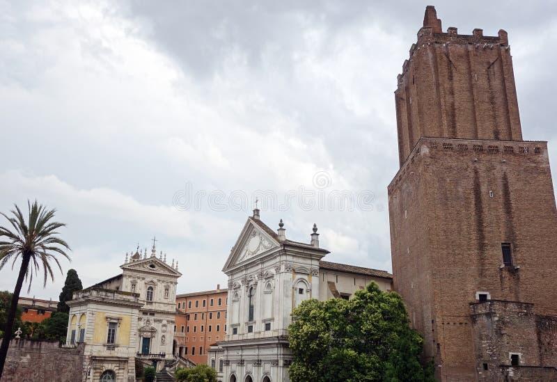 Torre-delle Milizie und Santa Caterina ein Magnanapoli in Rom stockfoto