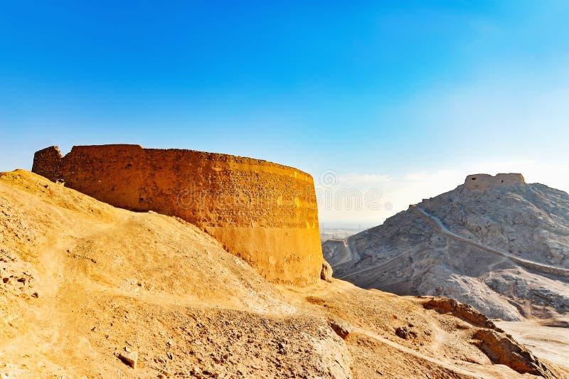 Torre dello zoroastriano di silenzio fotografie stock