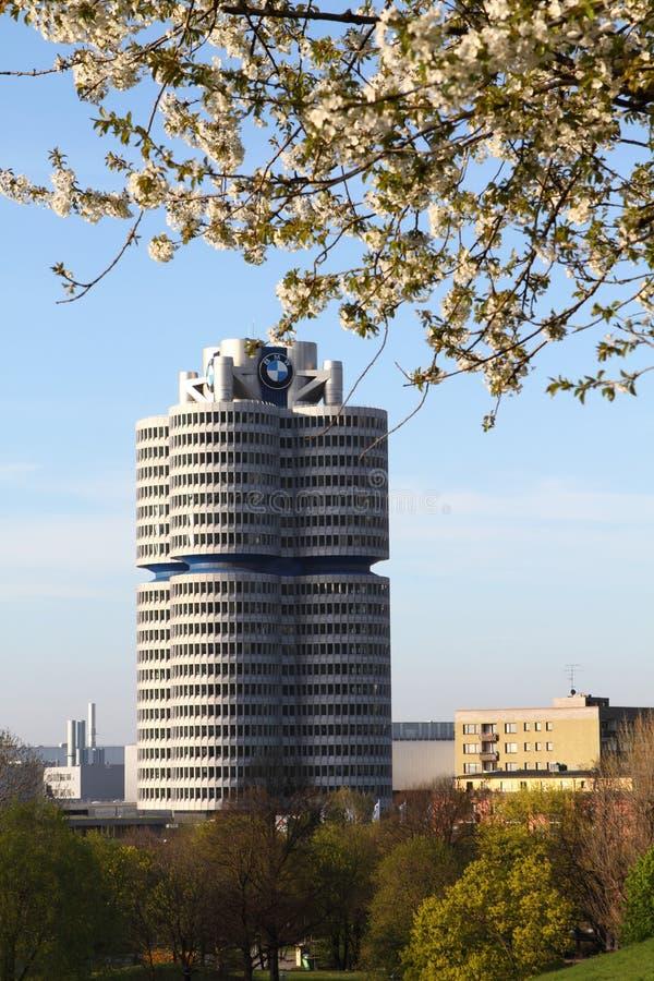 Torre di BMW a Monaco di Baviera, Germania fotografie stock libere da diritti