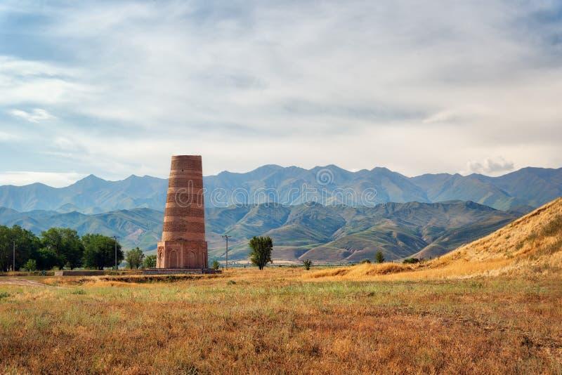 Torre di Burana vicino a Biškek, Kirghizistan, preso nell'agosto 2018 fotografia stock libera da diritti