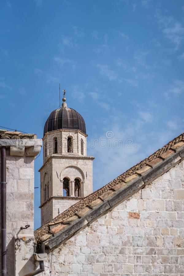 Torre di chiesa domenicana in Ragusa fotografie stock libere da diritti