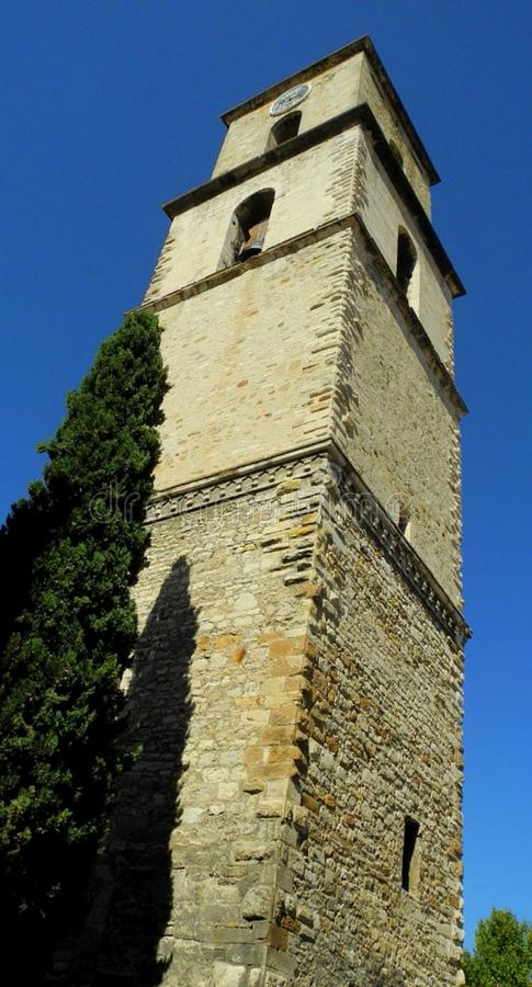Torre di chiesa medievale, Provenza fotografie stock