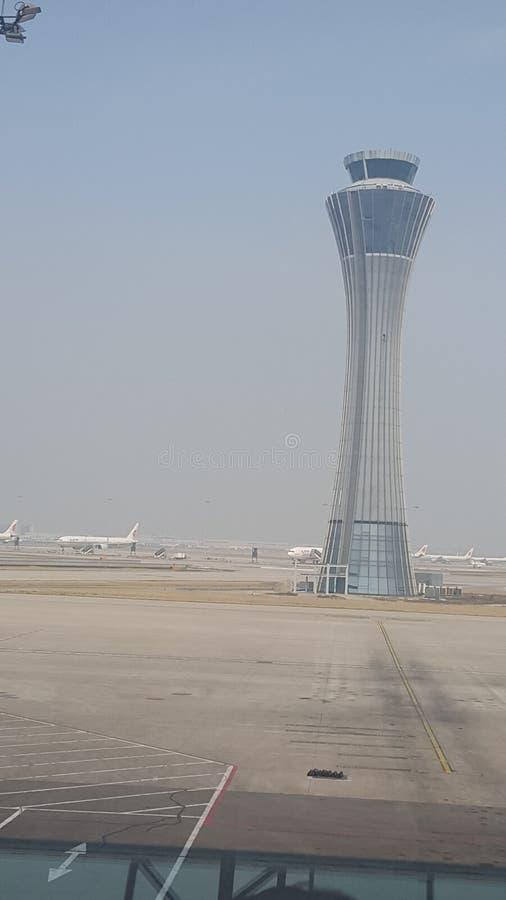 Torre di controllo dell'aeroporto internazionale capitale di Pechino fotografia stock