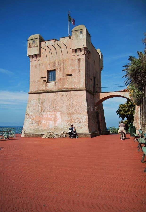 Torre di Genova-Nervi, Italia - di Gropallo sulla spiaggia immagine stock libera da diritti