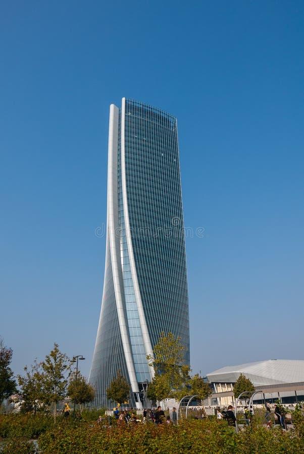 Torre di Hadid nel complesso del ` di vita di città del ` nel posto di 3 Torri Milan immagini stock libere da diritti