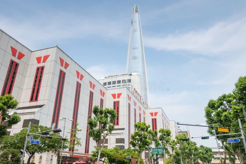 Torre di Lotte, mondo del lotte ed hotel del lotte a Seoul fotografie stock libere da diritti