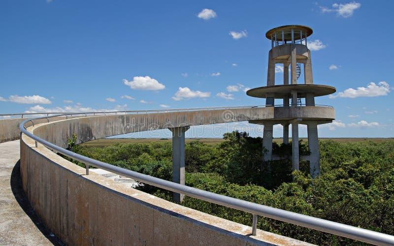 Torre di osservazione dei terreni paludosi di Florida immagine stock