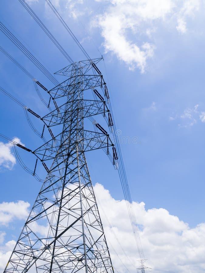 Torre di potere sul cielo fotografie stock libere da diritti
