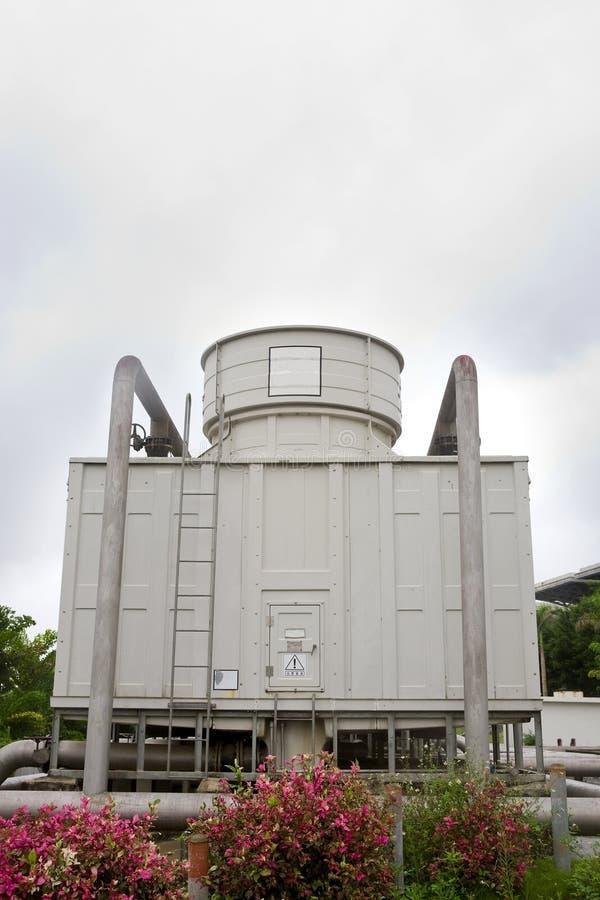 Torre di raffreddamento immagine stock