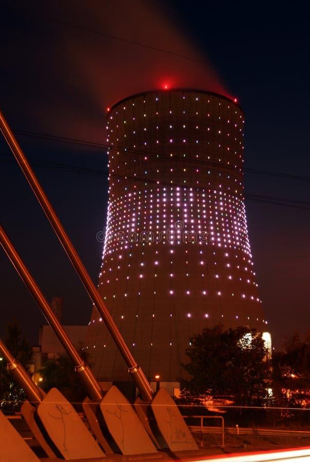 Torre di raffreddamento fotografie stock libere da diritti