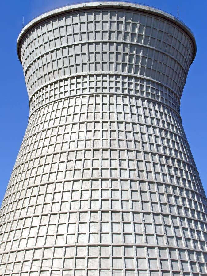 Torre di raffreddamento fotografia stock