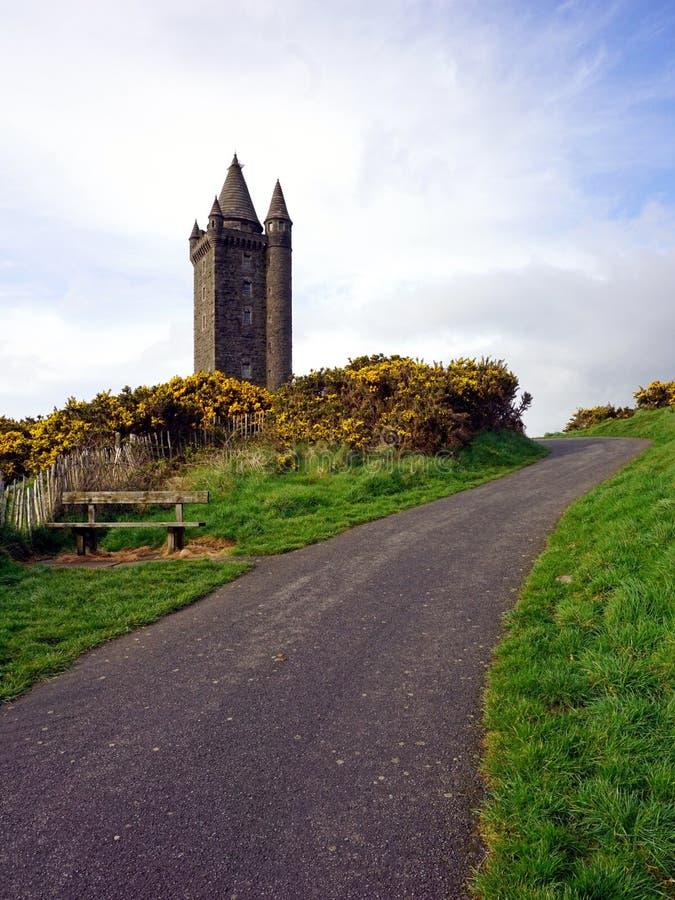 Torre di Scrabo in Irlanda del Nord immagine stock libera da diritti