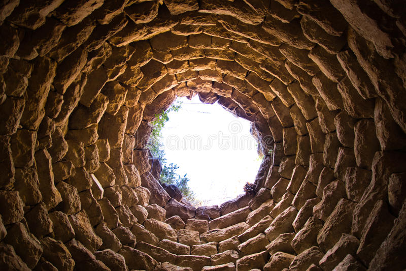 Torre di un nuraghe vicino a Suelli, Sardegna fotografia stock