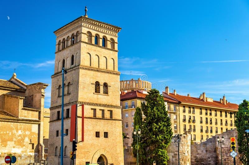 Torre di Zuda a Saragozza, Spagna fotografie stock libere da diritti