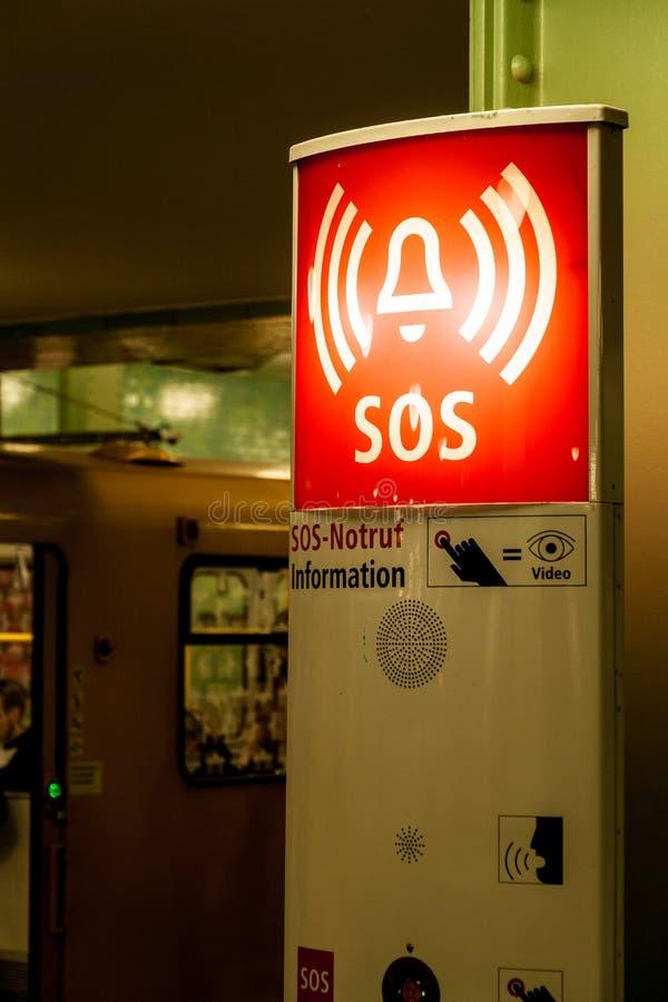 Torre do alarme do SOS fotografia de stock
