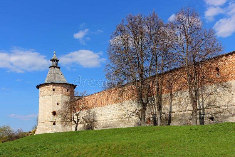 Torre do canto da sentinela no Kremlin antigo de Zaraysk foto de stock