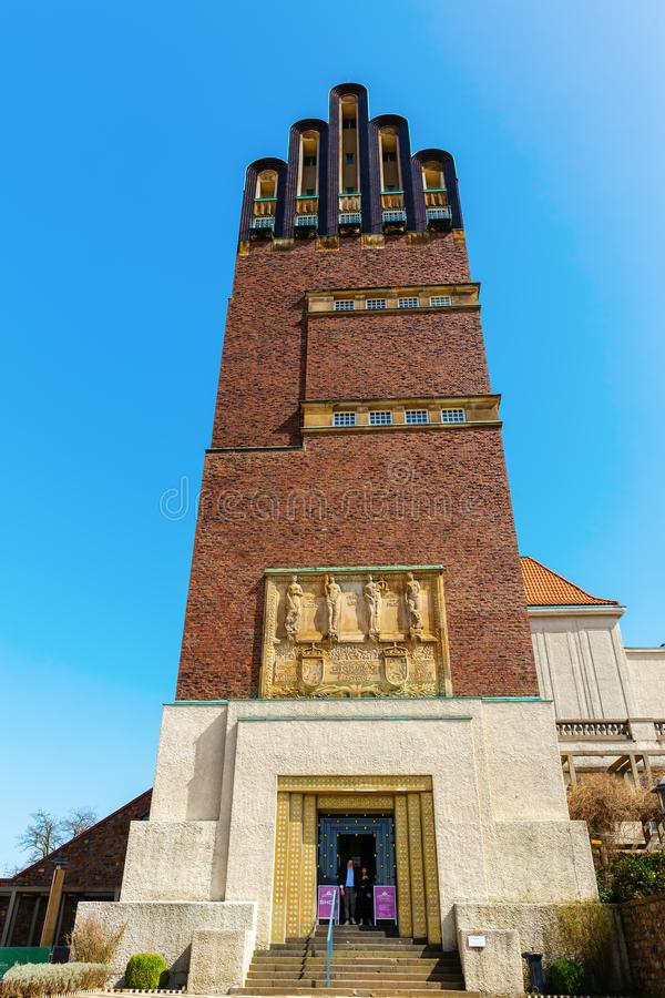 Torre do casamento no Mathildenhoehe em Darmstadt, Alemanha foto de stock royalty free