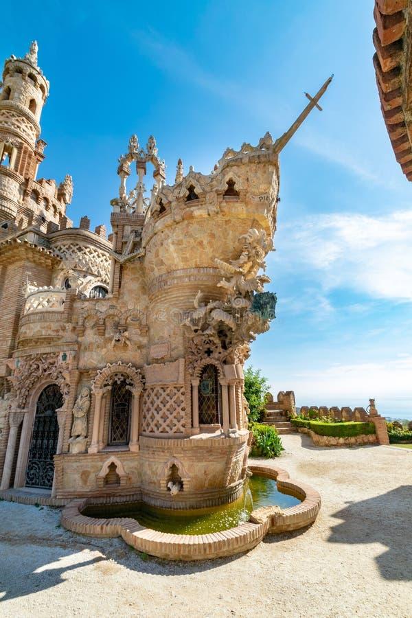 Torre do castelo na forma de uma curva do navio em Benalmadena, Espanha imagens de stock royalty free