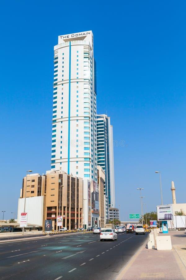 A torre do domínio na cidade de Manama, Barém Médio Oriente fotografia de stock royalty free