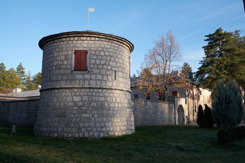 Torre do forte de Cetinje, Montenegro imagem de stock