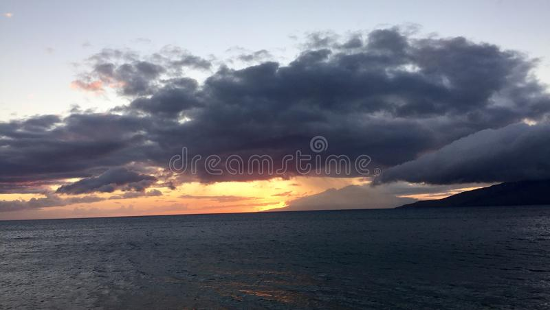 Torre do Lifeguard no por do sol imagem de stock royalty free