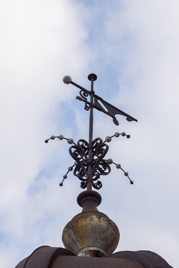 A torre do milênio conhecida como a torre de Gardos no condado de Zemun de Belgrado o capital da Sérvia A ideia da peça superior  imagens de stock
