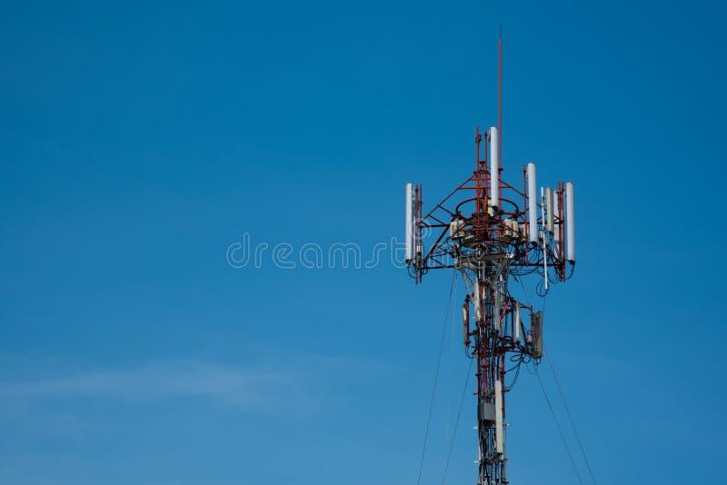 Torre do telefone celular fotografia de stock
