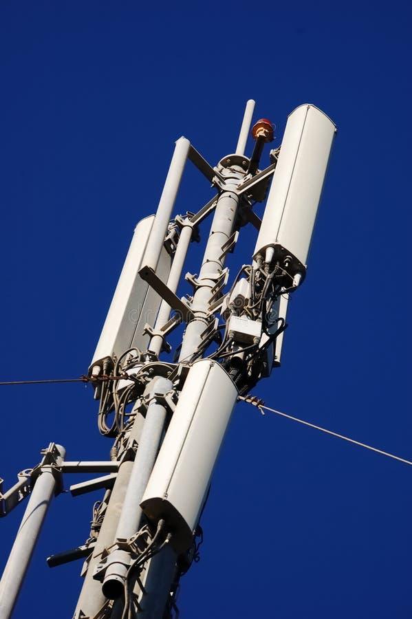 Torre do telefone móvel imagens de stock royalty free