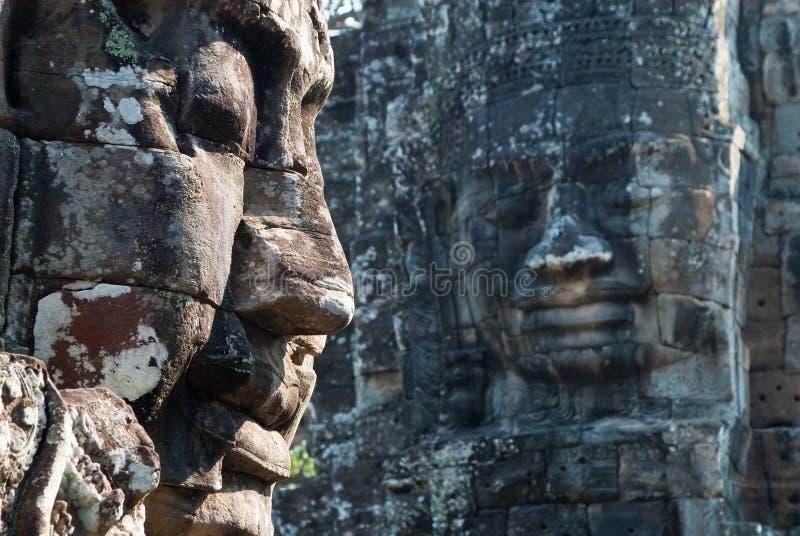 A torre do templo de Bayon enfrenta 2 imagem de stock royalty free