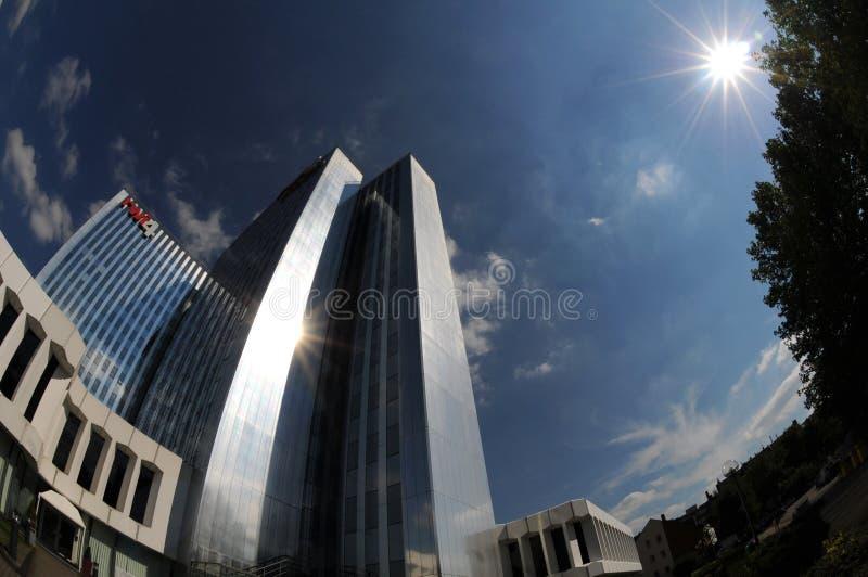 Torre dos RWI 4 em Düsseldorf no sol imagem de stock royalty free