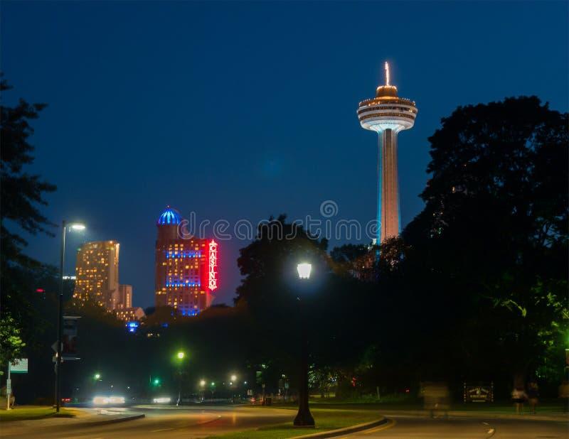 Torre e casinò di Skylon in cascate del Niagara fotografia stock libera da diritti