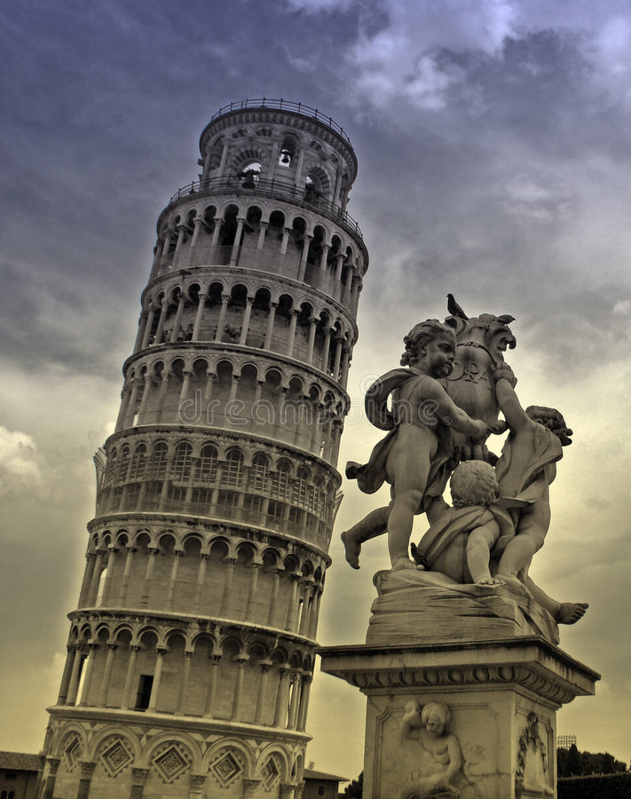 Torre e estátua de Pisa foto de stock