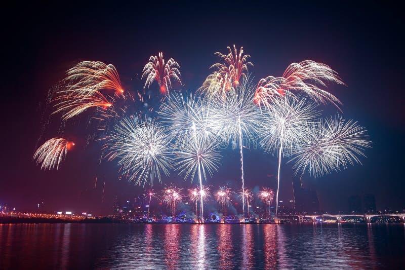 Torre e fuoco d'artificio di Seoul fotografia stock